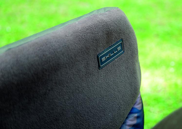 SKILLS CAMO CARP ARM CHAIR V2 ZOOM